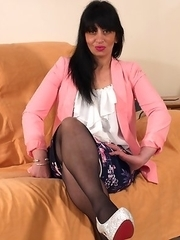 This naughty British housewife loves to play on her couch