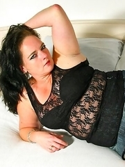 Naughty Dutch housewife Elle plays around